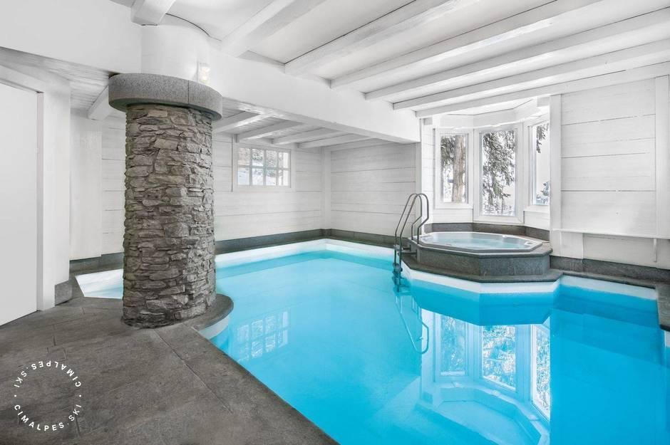 Chalet White Dream Courchevel swimming pool