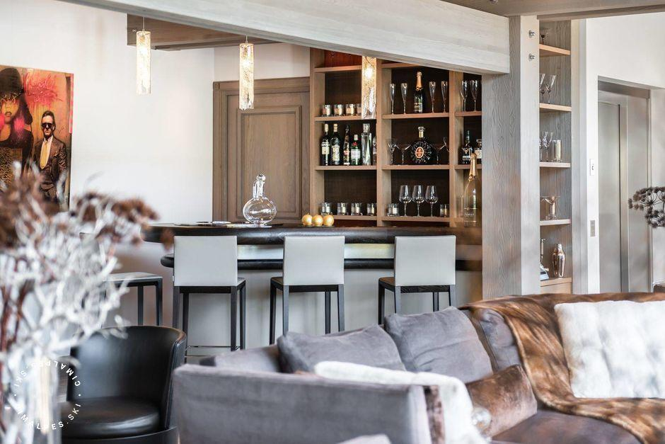 Bar & Wine Cellar - Chalet Mont-Blanc