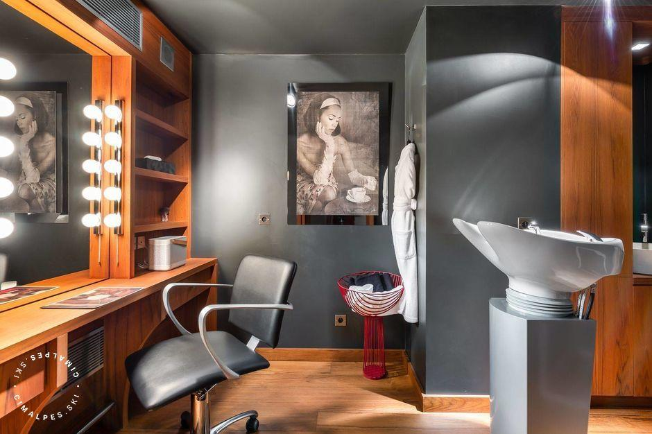 Hairdressing Salon - Chalet Mont Blanc