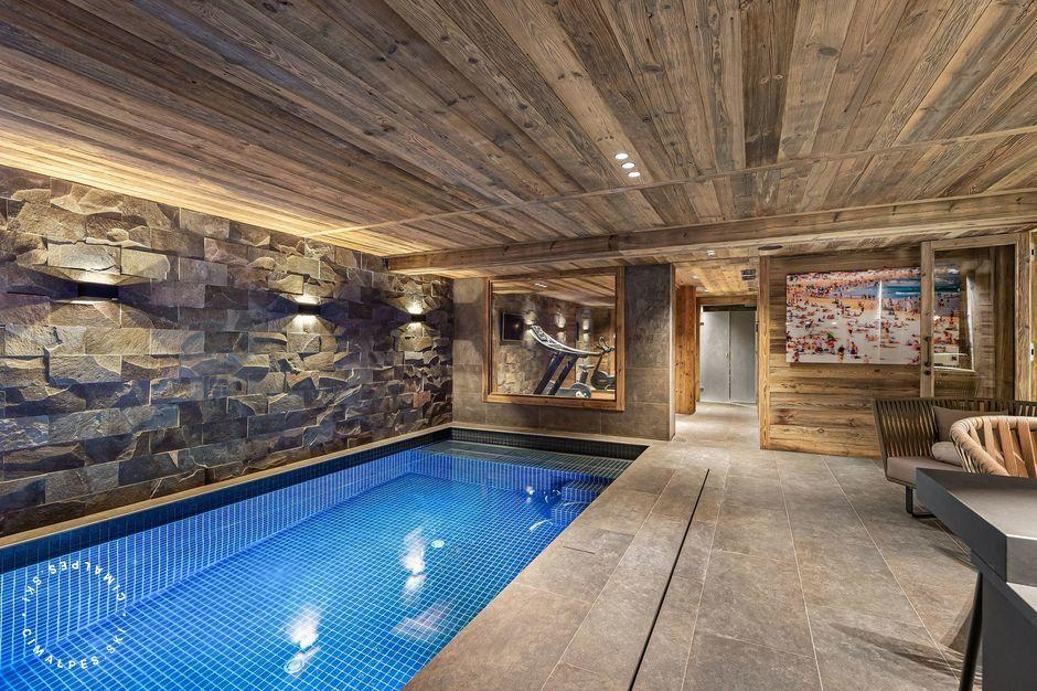 Private swimming pool and relaxation area | Chalet Gilt | Megeve