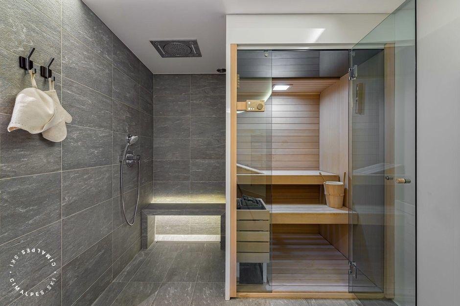 Sauna and shower | Apartment 4807-1 | Courchevel Moriond