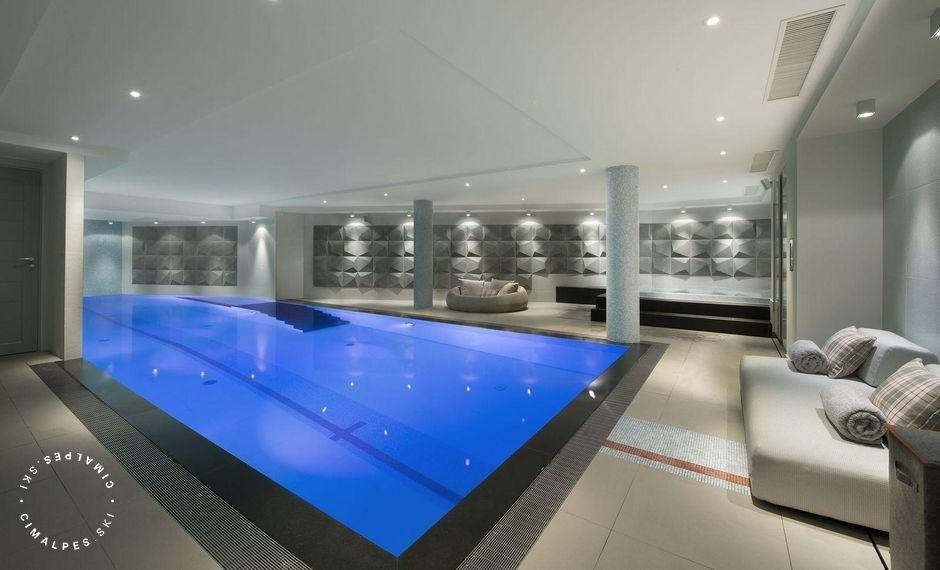 Swimming pool and relaxation area | Chalet Pow Pow | Courchevel