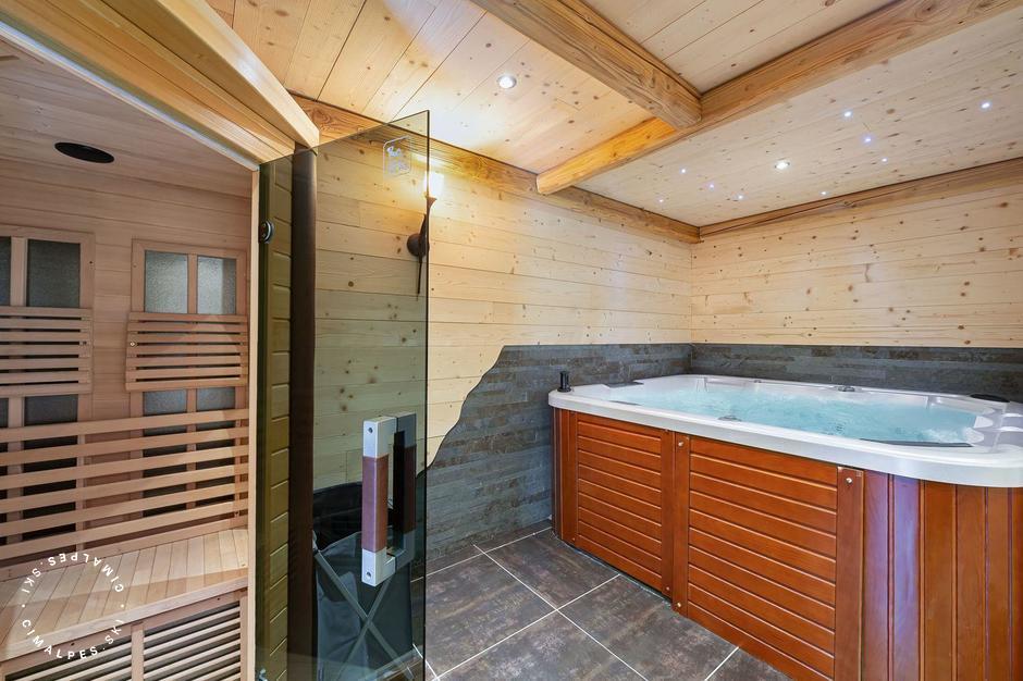 Espace SPA avec jacuzzi et sauna |Chalet Roc de la Lune |Saint Martin de Belleville