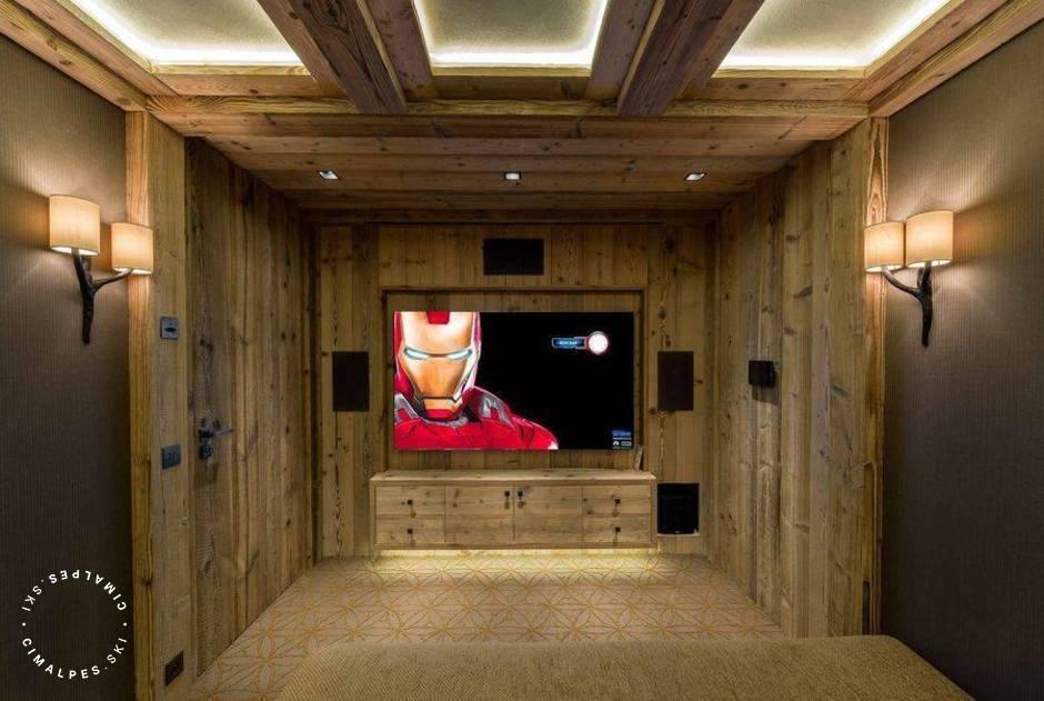 Chalet Nanuq Courchevel salle de cinéma