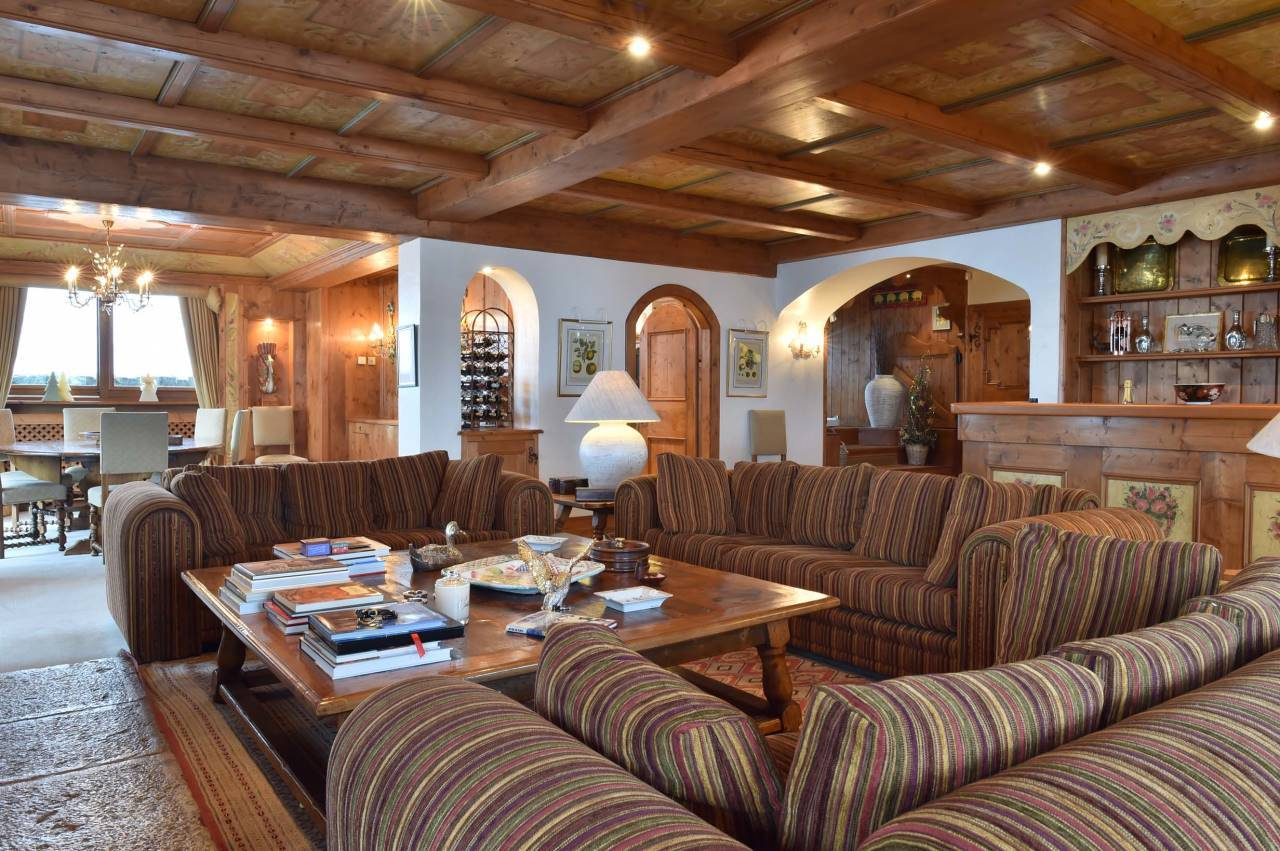CHALET TRADITIONNEL SUR LES PISTES