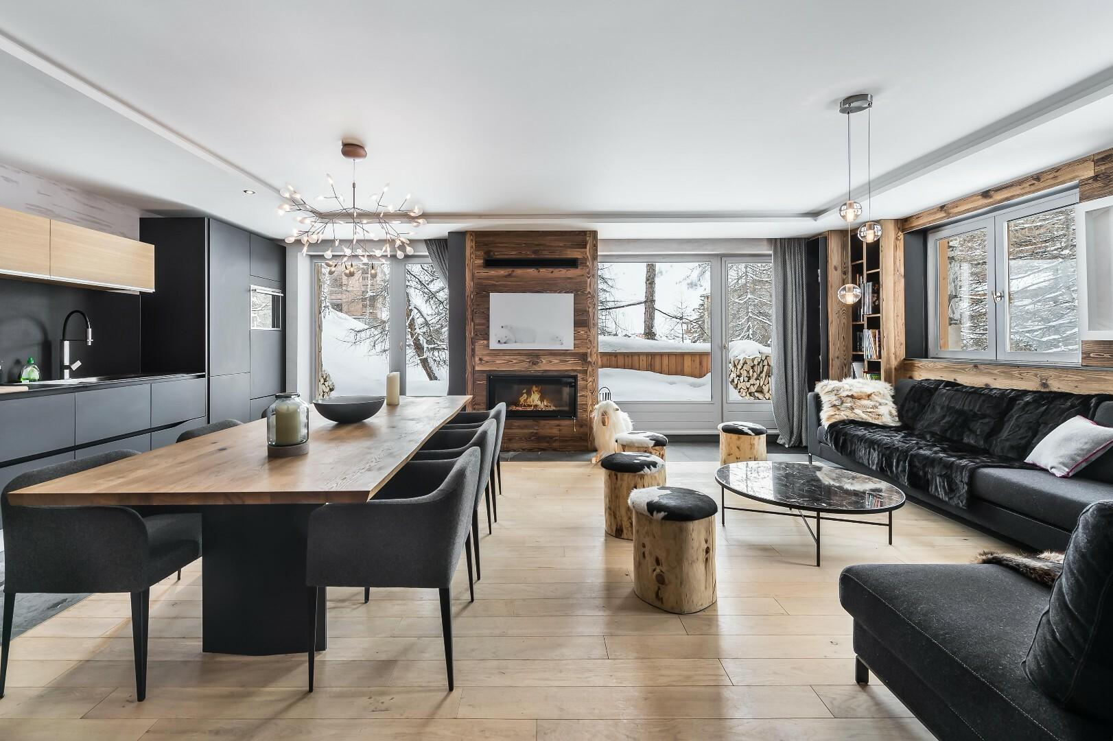 DUPLEX AT THE FOOT OF THE SLOPES