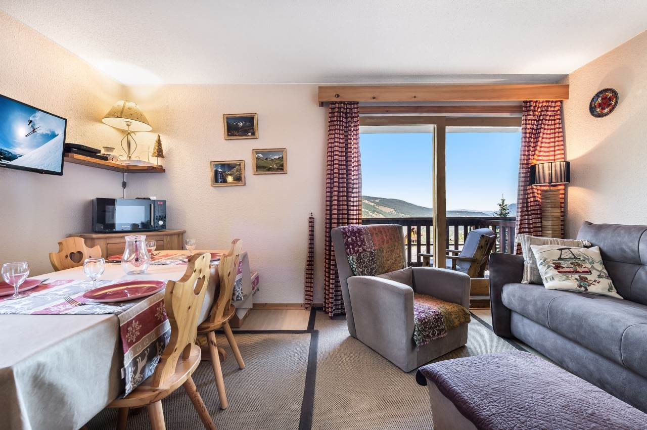 SUPERBE APPARTEMENT A MERIBEL