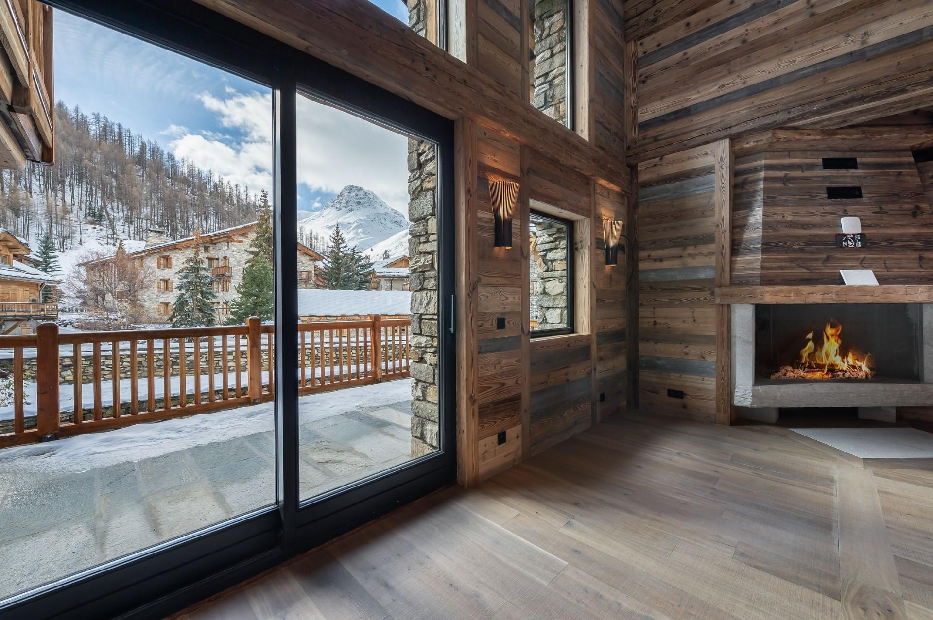SUPERB CHALET WITH VIEW