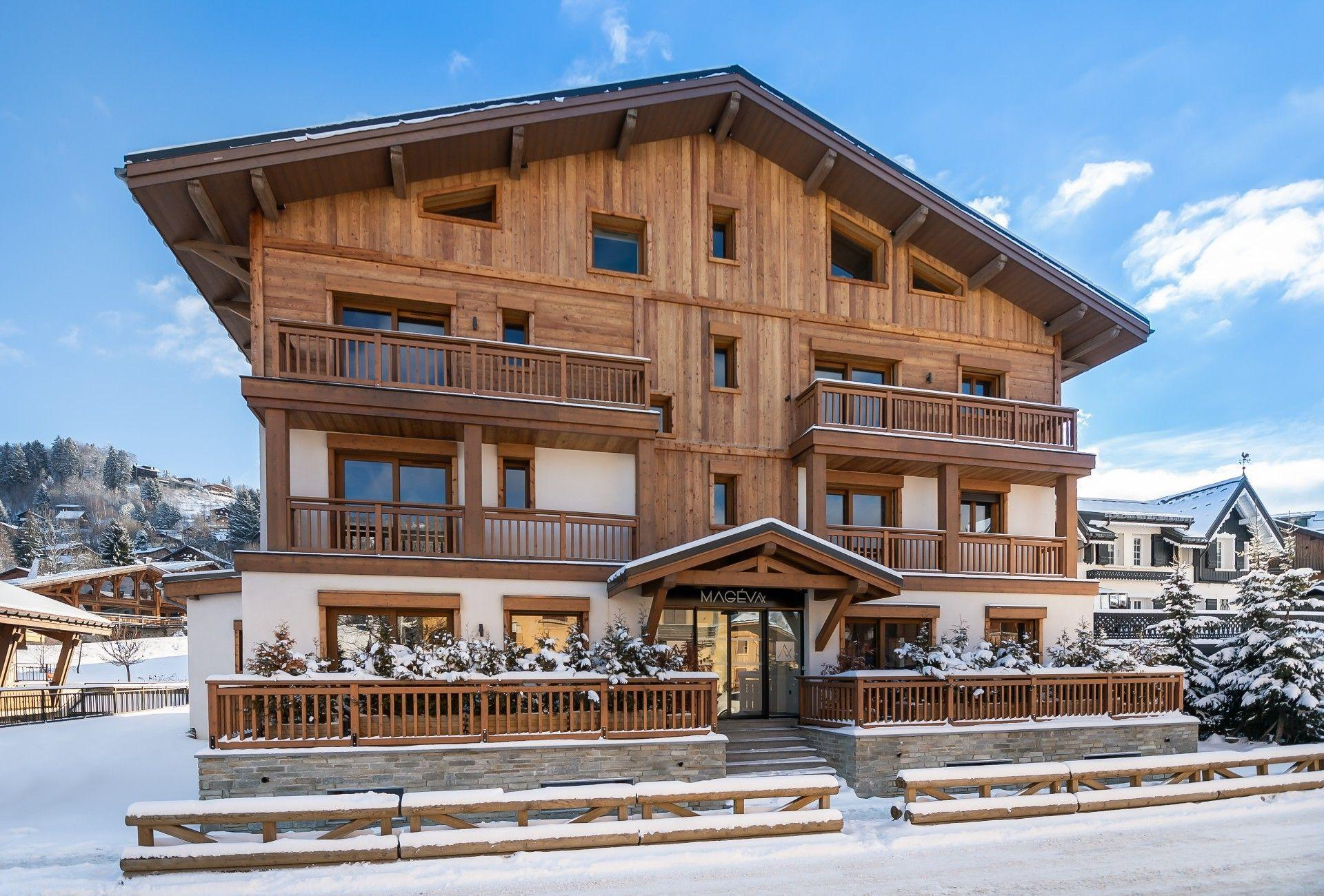 FLOOR-THROUGH APARTMENT IN NEW RESIDENCE CLOSE TO THE CENTER OF MEGÈVE