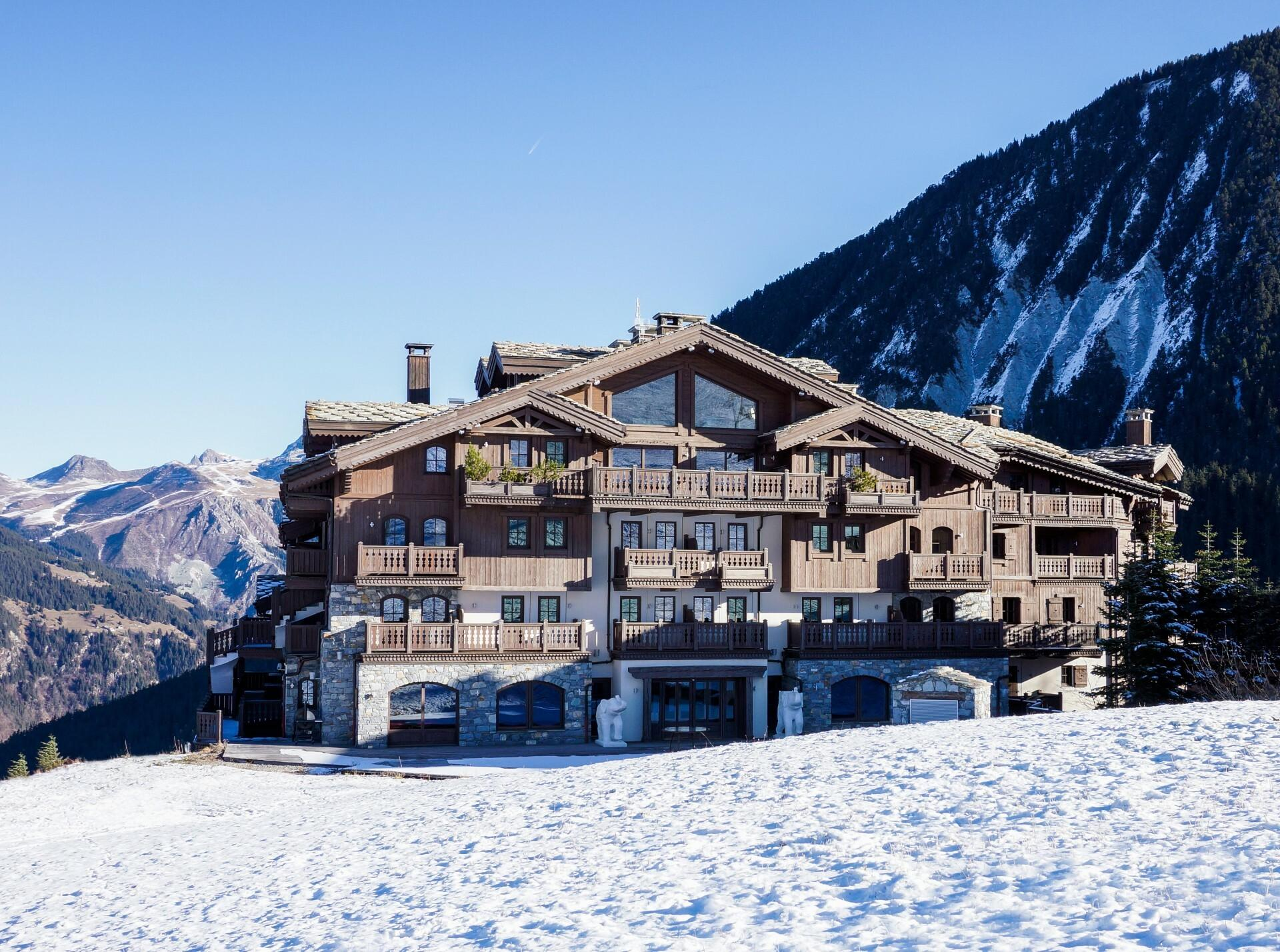 LUXURIOUS APARTMENT ON THE SLOPES
