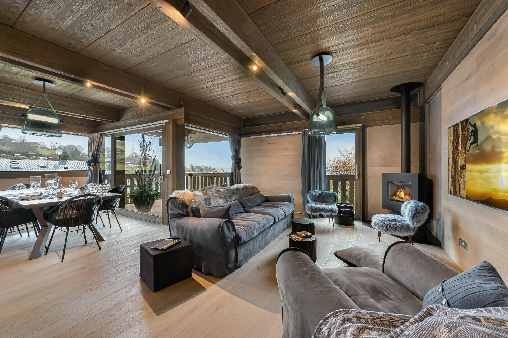 CHALET NEUF SKIS AUX PIEDS